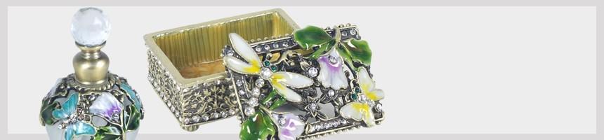 Boite Miniature   Pilulier finement décoré discret et original